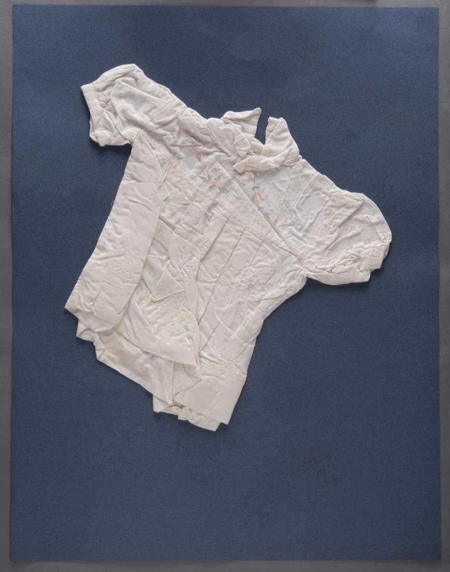 Hessie, Sans titre nº 225 (1970).Galerie Arnaud Lefebvre.