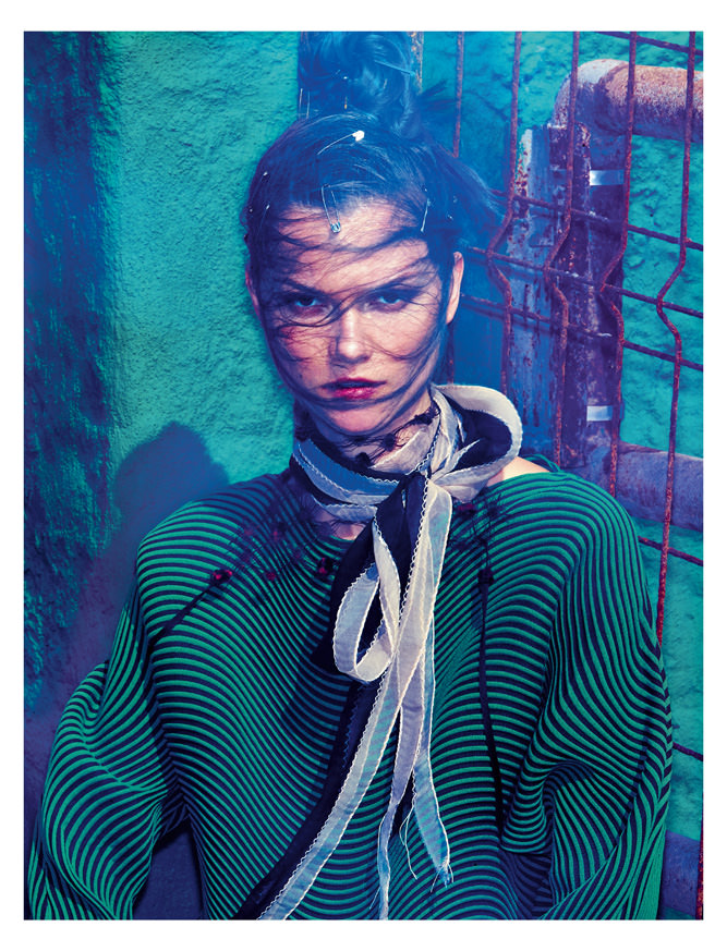 Jumper, ISSEY MIYAKE. Scarf, LANVIN. Collar, PRADA.        Realisation: Belén Casadevall assisted by Manon Del Colle. Model: Kasia Struss from Women Management. Haircut: Javier Palacio from Capsule Agence. Make-up: Dariia Day from Atomo Management. Digital: Jongha Park. Touch up: Jun Ho Choi. Production: Carine Idy from André Werther et Associés.       Discover more fashion stories in the Numéro Musique from March 2016, available now in newsstands and on your iPad.     → Subscribe to the print edition of Numéro → Subscribe to the Numéro iPad app