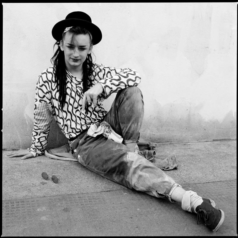 Boy George shooté à Notting Hill Gate à Londres par Janette Beckman (1981).