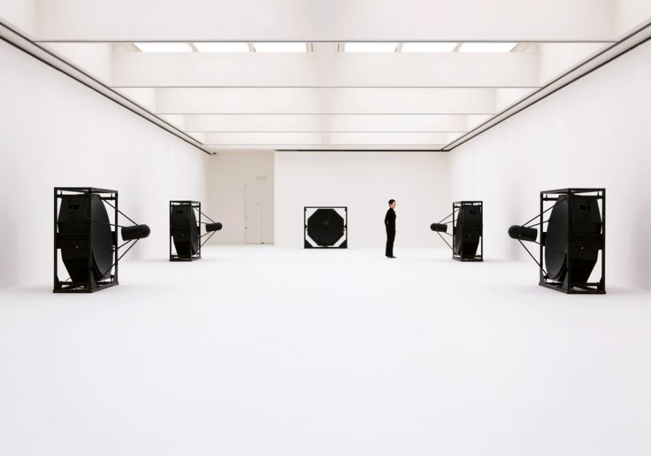 Ryoji Ikeda, Matrix[5ch version], sound installation, 2009.photo by Ryuichi Maruo © Ryoji Ikeda