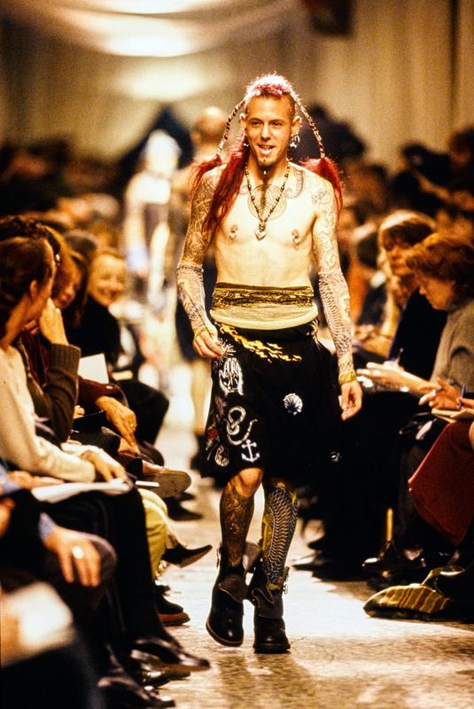 """Jean Paul Gaultier, collection """"Les Tatouages"""",prêt-à-porter printemps-été 1994."""