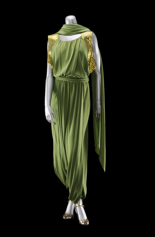 """Woman's evening pants ensemble,"" automne 1935–36, Jeanne Lanvin. Donation Lucy T. Aldrich. Photo : Museum of Fine Arts, Boston."