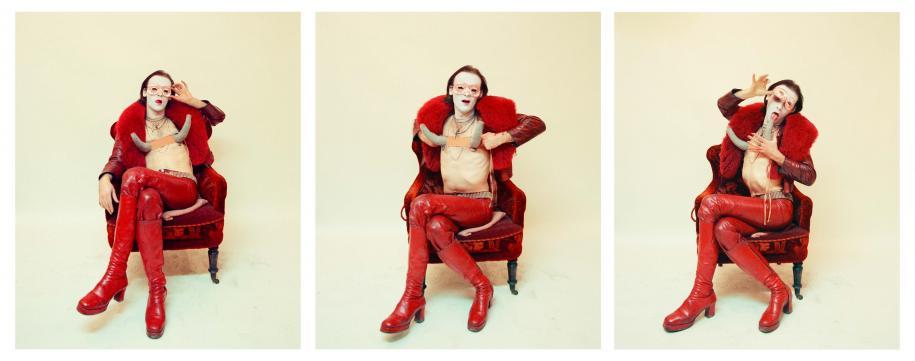 Question de genre à la galerie Suzanne Tarasieve avec les photographies de l'Allemand Jürgen Klauke. Transformer, 1973 Digital C-Print, 120 x 100 cm Courtesy de l'artiste et Galerie Suzanne Tarasieve, Paris