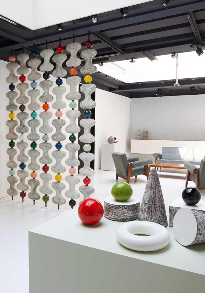 Les céramiques de Kristin McKirdy. Courtesy galerie Jousse entreprise — Mobilier d'architecte.
