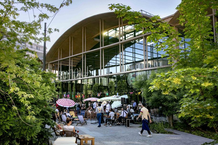 Le jardin aménagé du plus grand restaurant d'Europe, La Felicità, 75013 Paris.