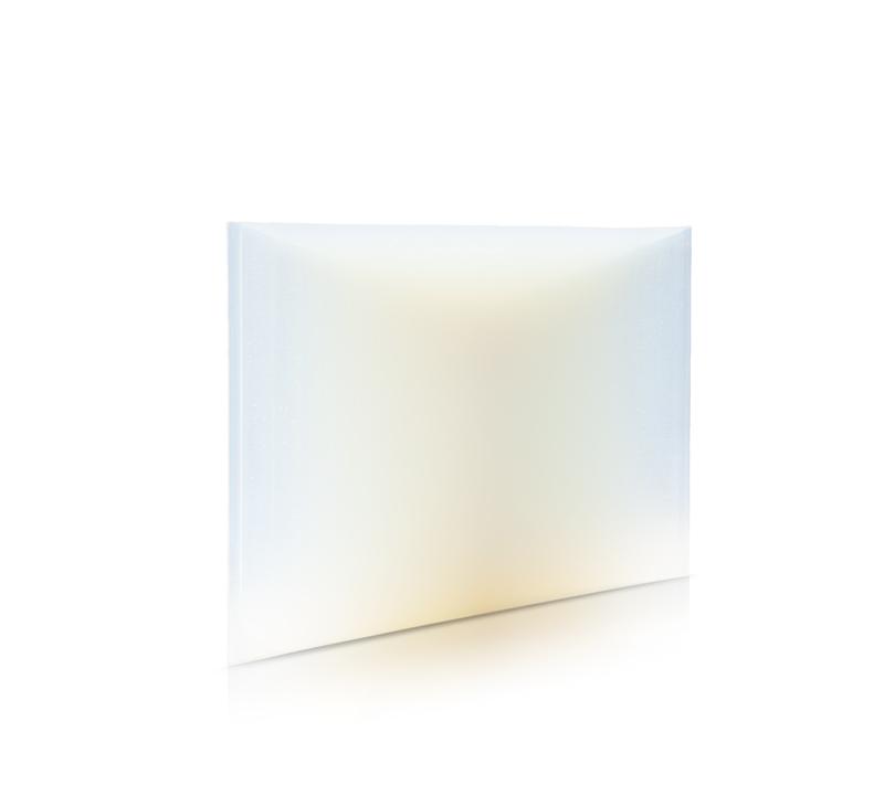 "Jessica Loughlin, ""Receptor of light IX""(2018).Verre, 62 x 645 x 446 mm."