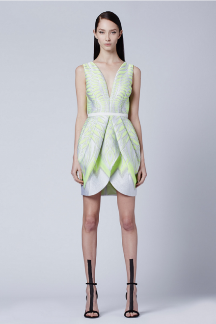 With Manuel Facchini, soft and feminine lines are mixed with graphical techno prints.