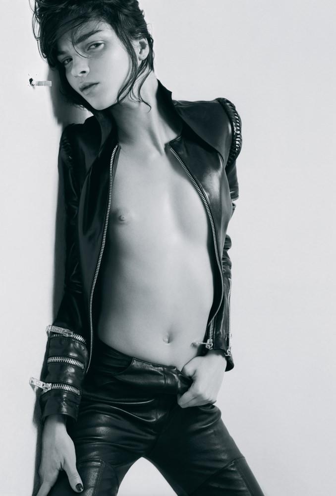Mariacarla Boscono photographiée par Jean-Baptiste Mondino pour le Numéro Rock'n'roll d'août 2002.