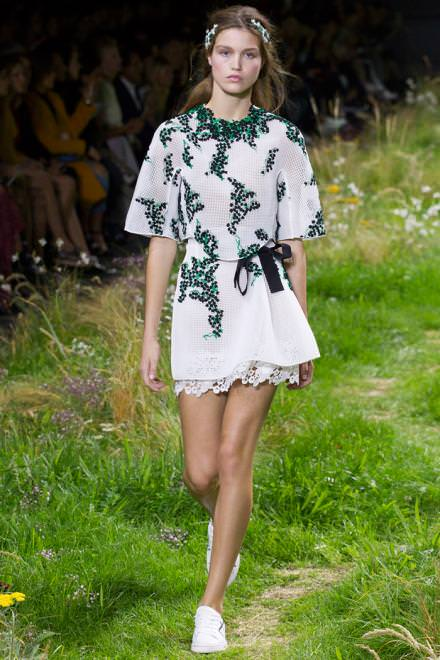 Moncler Gamme Rouge spring-summer 2016 show