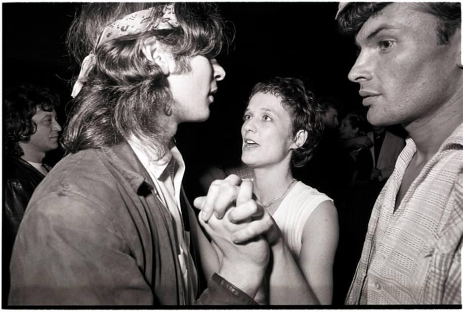 Jean-Luc Buro,Corinne Marienneau, bassiste de Téléphone au Rose Bonbon,1984.