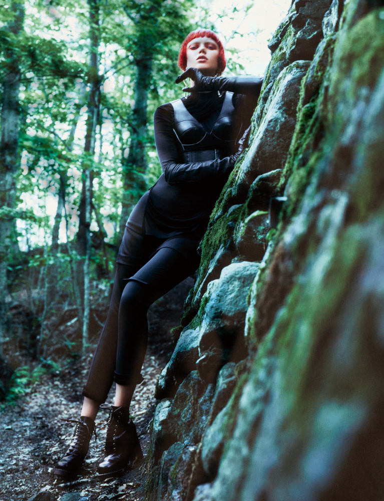 """Exclusive : """"L'ange déchu"""" fashion story by Txema Yeste"""