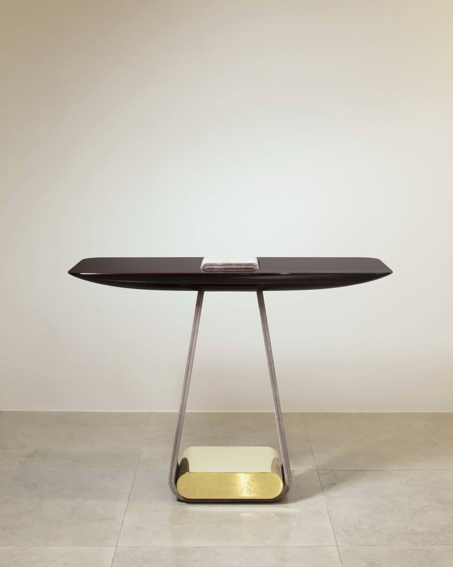 Hervé Van der Straeten, Console Ruban n°518, subtle wood tray, velvet veal skin in the shade Nabab and mirror polished brass. L 110 x l 42 x H 83,5 cm - 20 kg.