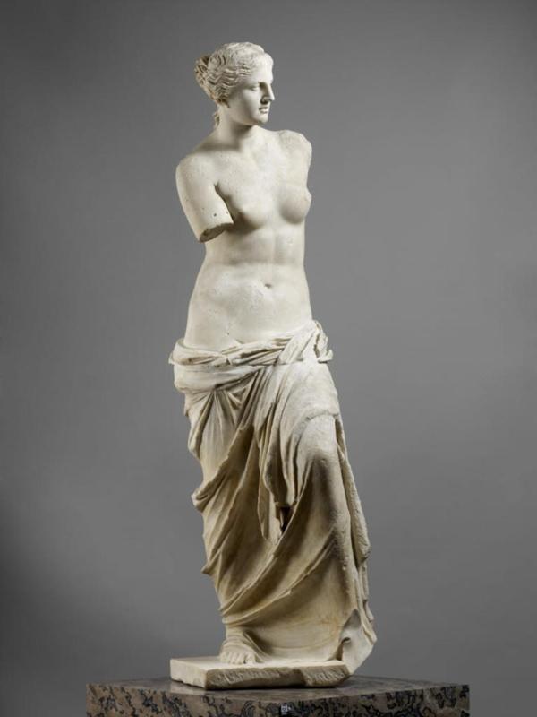 """""""La Vénus de Milo"""", vers 120 avant J.-C.© 2011 Musée du Louvre / Thierry Ollivier"""