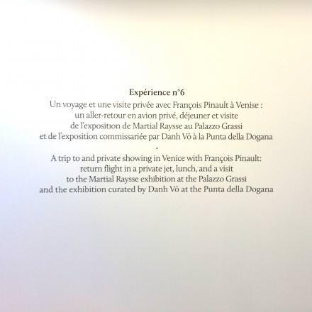 """Lors de la vente aux enchères, seront proposées des expériences insolites en compagnie de personnalités.  View of the exhibition """"HEROES"""", kamel mennour (47, rue Saint-André-des-Arts), Paris, 2015"""