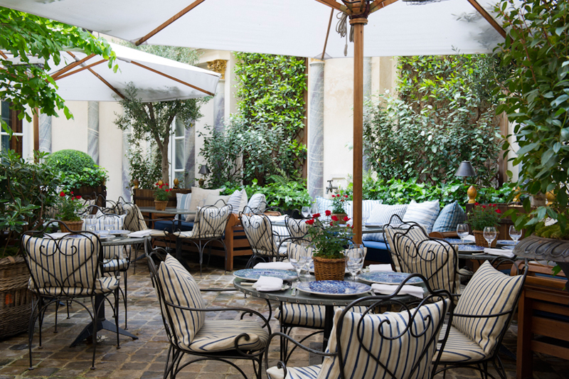 Le jardin du Ralph's, restaurant Ralph Lauren, 75006 Paris.