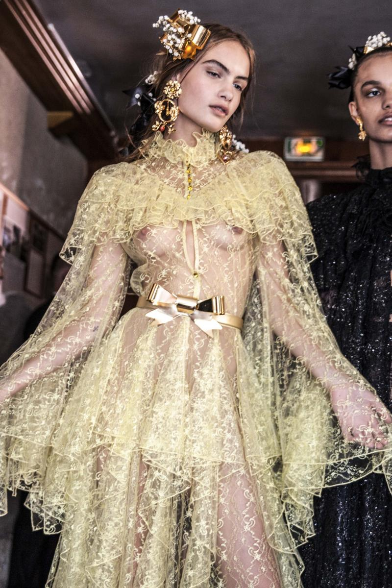 Backstage Rodarte collection haute couture automne-hiver 2017-2018, photos par Mehdi Mendas.