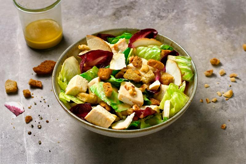 Salade de poulet, noisettes et ricotta fumée de Giovanni Passerini.10,90 €