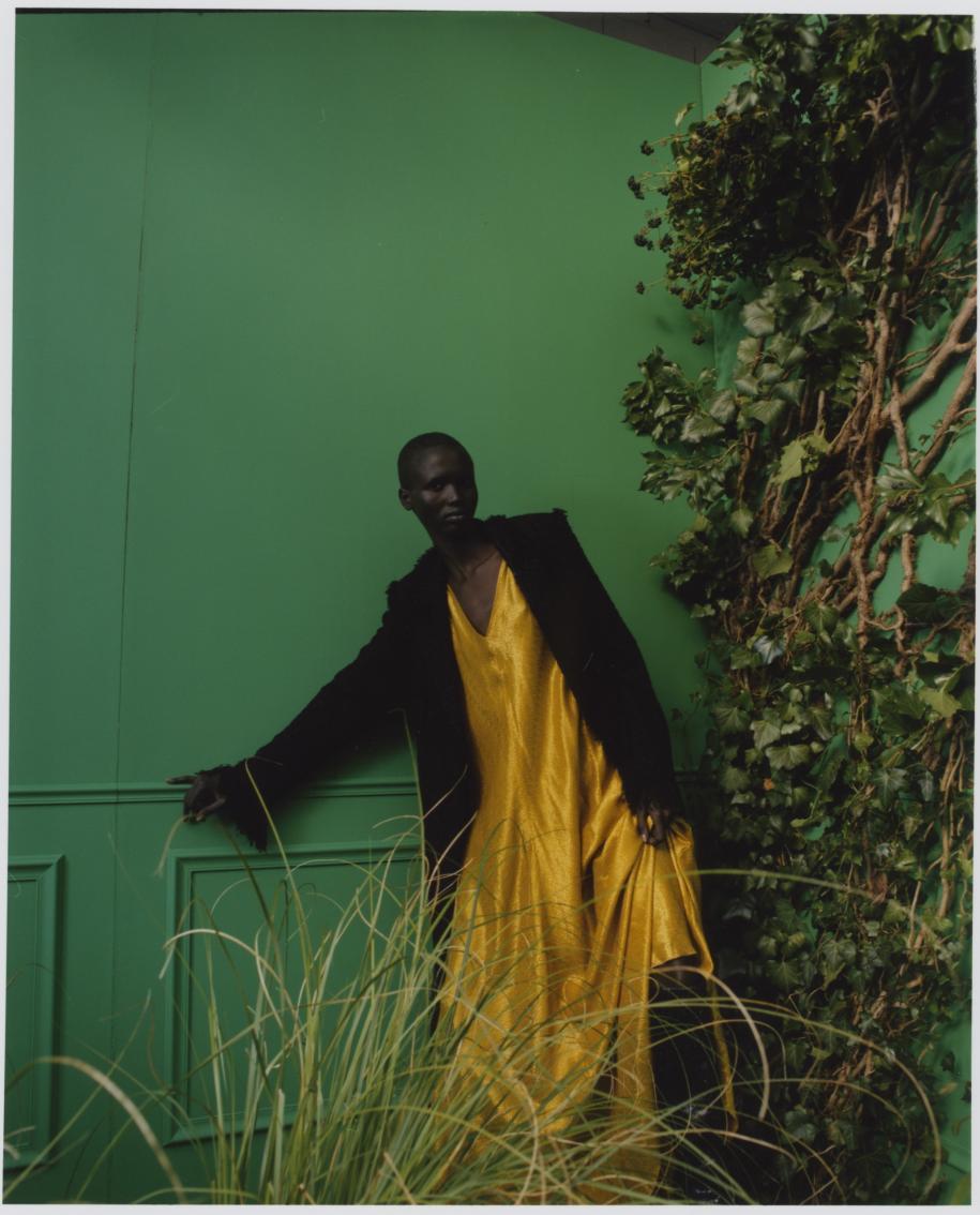 Manteau à franges en tweed,MSGM.Longue robe en soie et Lurex,FORTE_FORTE.