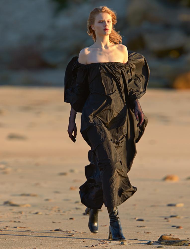 Taffeta dress,VALENTINO. Gloves,MAX MARA.Thigh-high boots, SAINT LAURENT BY ANTHONY VACCARELLO.