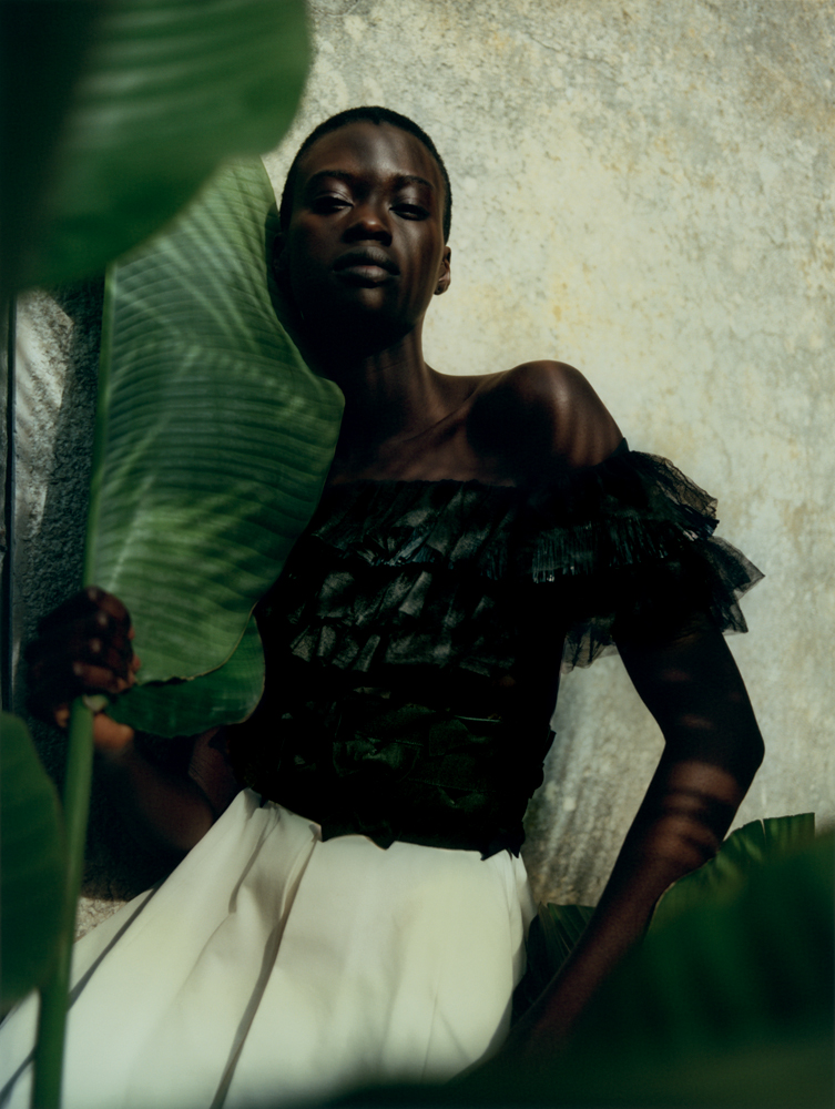 Dress in silk organza embroidered with grosgrain knots,CHANEL.