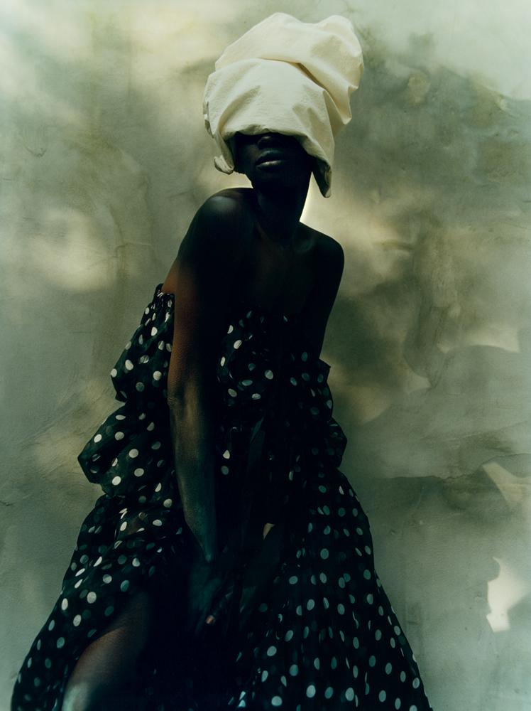 Skirt in printed viscose,DRIES VAN NOTEN.Chapeau,UMA WANG.