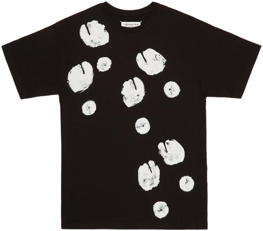 """Tee-shirt de la collection capsule""""Tabi"""" par Maison Margiela."""