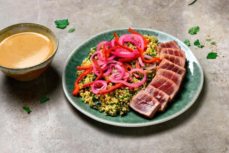 Tataki de thon, leche del tigre et quinoa deJuan Arbelaez. 11,20 €
