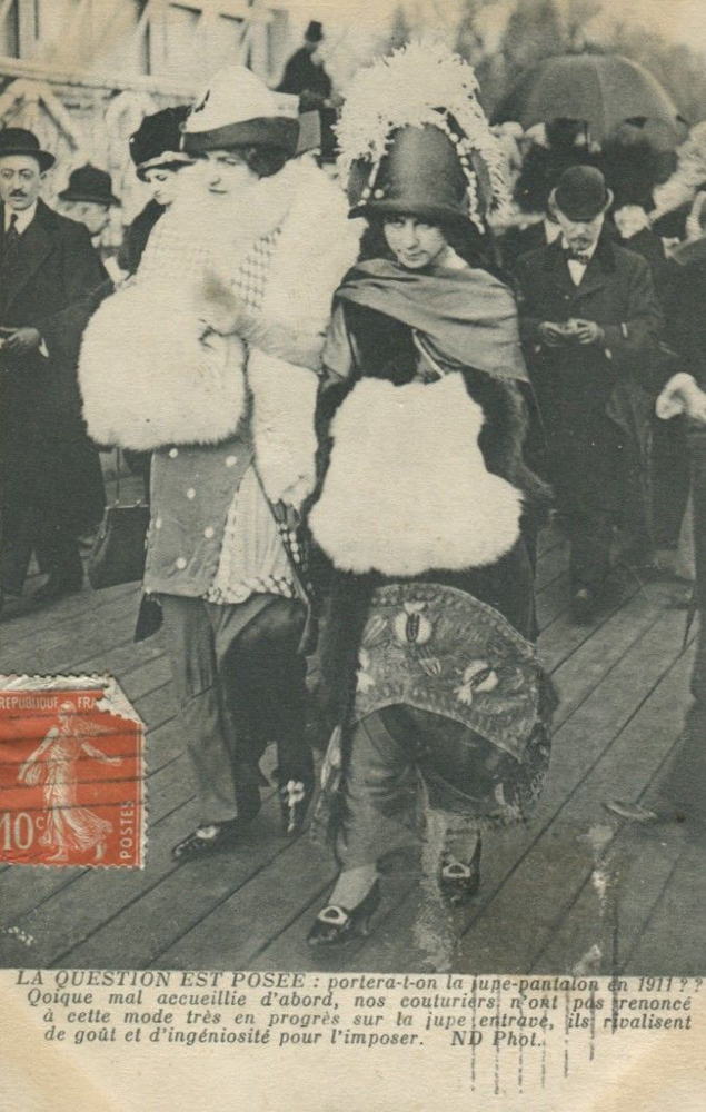 La question est posée: portera-t-on la jupe-pantalon en 1911?  Carte postale, collection particulière