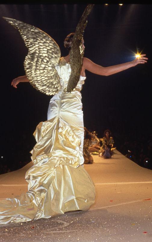 Thierry Mugler, collection prêt-à-porter automne-hiver 1984-1985. Photo :Patrice Stable.