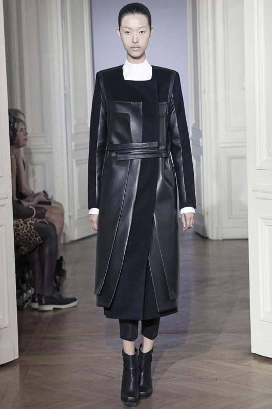 """Unisex Couture Look #3"", Paris automne-hiver 2012, Rad Hourani. Acheté avec des fonds du Fashion Council. © Rad Hourani et Museum of Fine Arts, Boston."