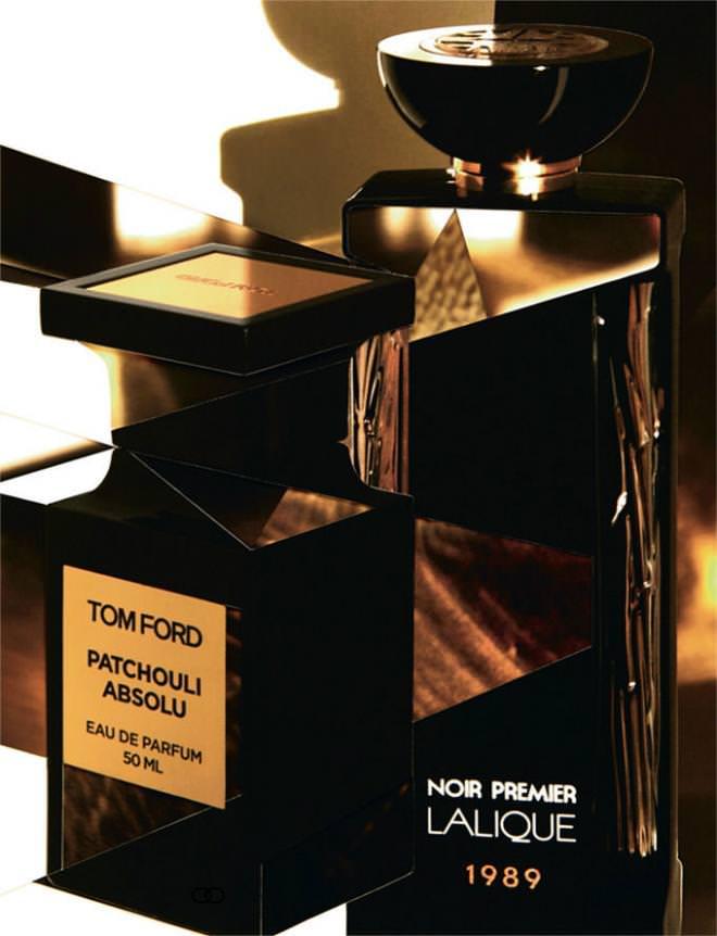 """Couleur terre brûlée coiffée d'or, la bouteille emblématique abrite une nouvelle fragrance remarquable qui rend hommage au patchouli et à ses multiples facettes à la fois sombres, terrestres et mystérieuses. Une eau intrigante, tout à la fois chaude et froide. """"Collection Private Blend, Patchouli Absolu"""", eau de parfum, TOM FORD. Dans un flacon noir paré de chiffres dorés, inspiré d'une création de René Lalique, cette nouvelle collection de parfums revient sur les dates clés de l'histoire de la maison et les relate olfactivement. """"Noir Premier, La Collection, Élégance Animale 1989"""", LALIQUE.  Réalisation Laurence Hovart, photos Damien Blottière. Retouche : Lacen Studio."""