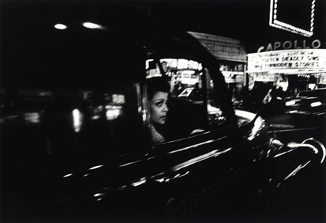 Apollo, New York, 1955. Courtesy Galerie Le Réverbère. © William Klein
