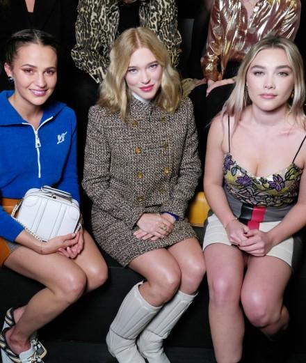 Alicia Vikander, Lea Seydoux et Florence Pugh au défilé Louis Vuitton automne-hiver 2020-2021