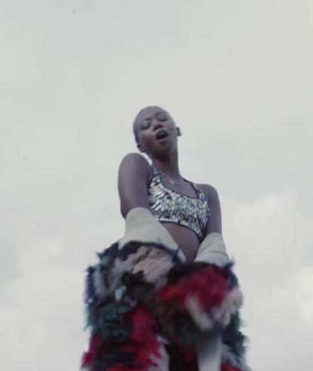 """Exclusif : la vidéo """"CRIPPLEDXXX"""" de Khadyak, artiste multi-talent proche du label Koché"""