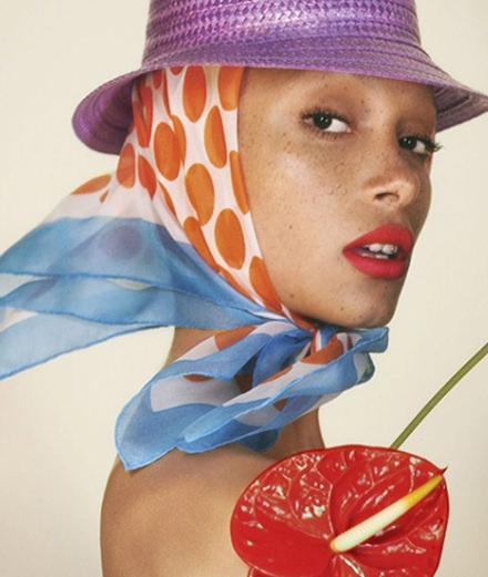 Adwoa Aboah devient égérie Marc Jacobs Beauty