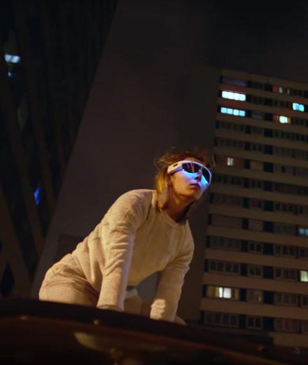 """Agar Agar invite l'actrice de """"Grave"""" dans son nouveau clip"""
