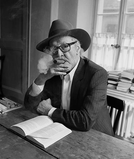 Jean-Luc Godard se fait tirer le portrait par Hedi Slimane pour Celine