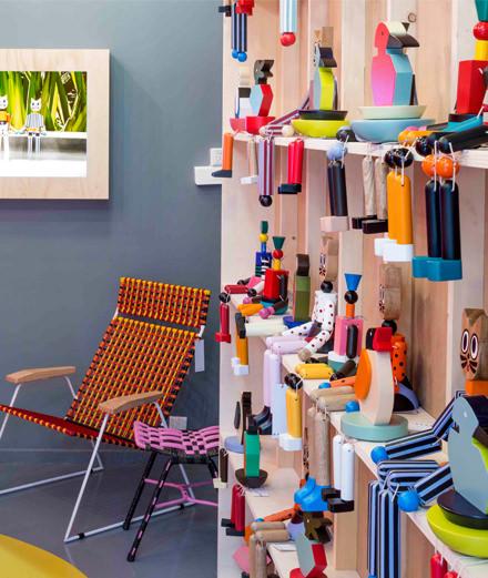Le Marni Market révèle une collection d'objets originaux et hauts en couleur à Paris