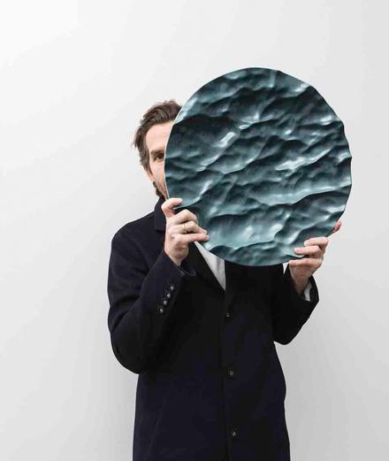 Les 50 nuances de bleu du designer Mathieu Lehanneur chez Christie's