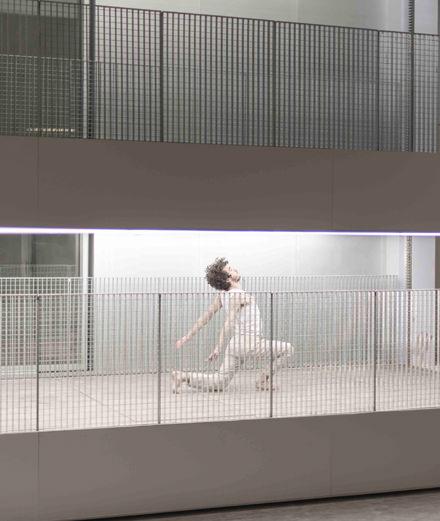 Vidéo: la folle chorégraphie qui réinvente le bâtiment de Rem Koolhaas à Paris