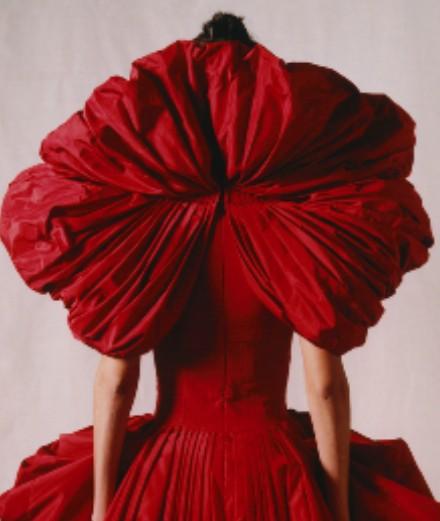 Comment Alexander McQueen encourage votre créativité?