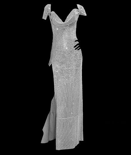 """Pourquoi la """"Million Dollar Dress"""" d'August Getty porte-t-elle ce nom?"""