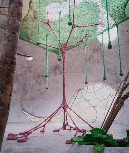 On a visité Azulik Uh May, le centre d'art perdu dans la jungle mexicaine