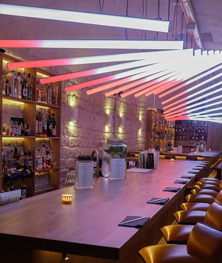 Le Gyoza Bar abrite un bar à cocktails caché
