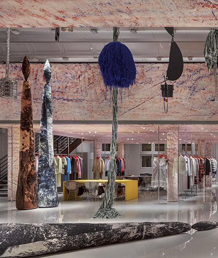 Sterling Ruby imagine les nouveaux locaux parisiens de Calvin Klein 205W39NYC