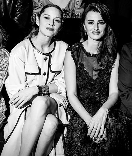 Which celebrities were at the Chanel Metiers d'Art Fashion Show in New York ?