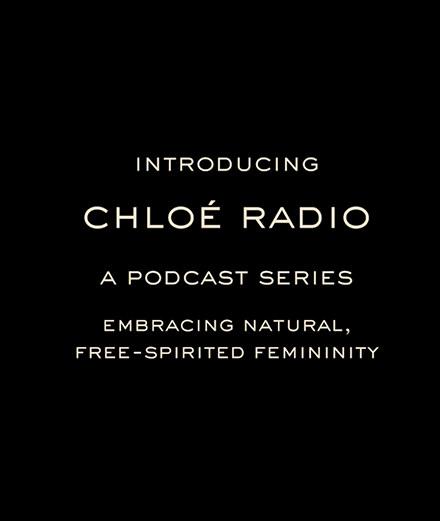 Chloé se lance dans les podcasts avec Clémence Poésy et Isabelle Huppert