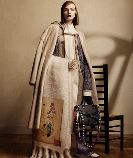 Loewe dévoile une collection aux accents Art nouveau inspirée de l'architecte Mackintosh