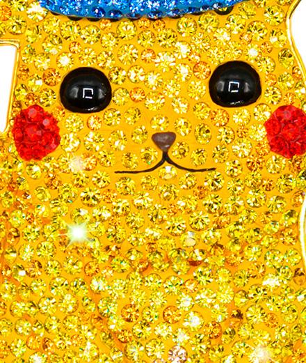 Des colliers Pokémon pavés de cristaux Swarovski