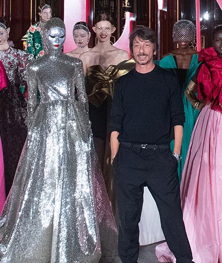 À Pékin, Valentino présente une collection haute couture exceptionnelle